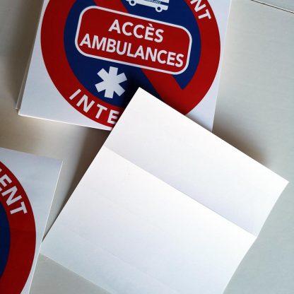 interdit de stationner devant accès ambulances