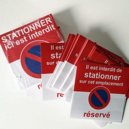 sticker stationnement réservé