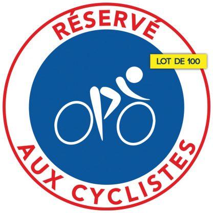 Stationnement interdit sur les pistes cyclables. Par 100